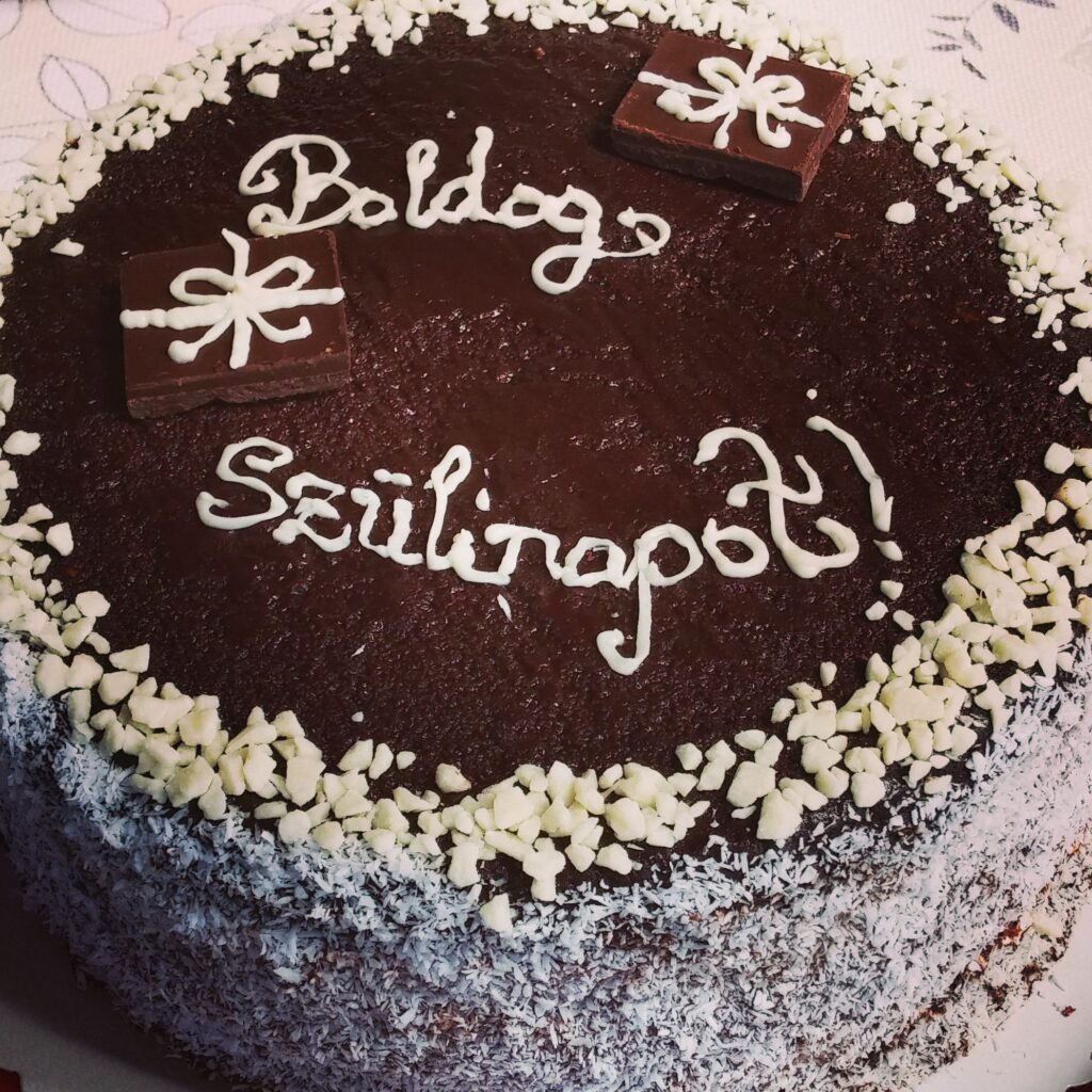 mákos tejszínes torta